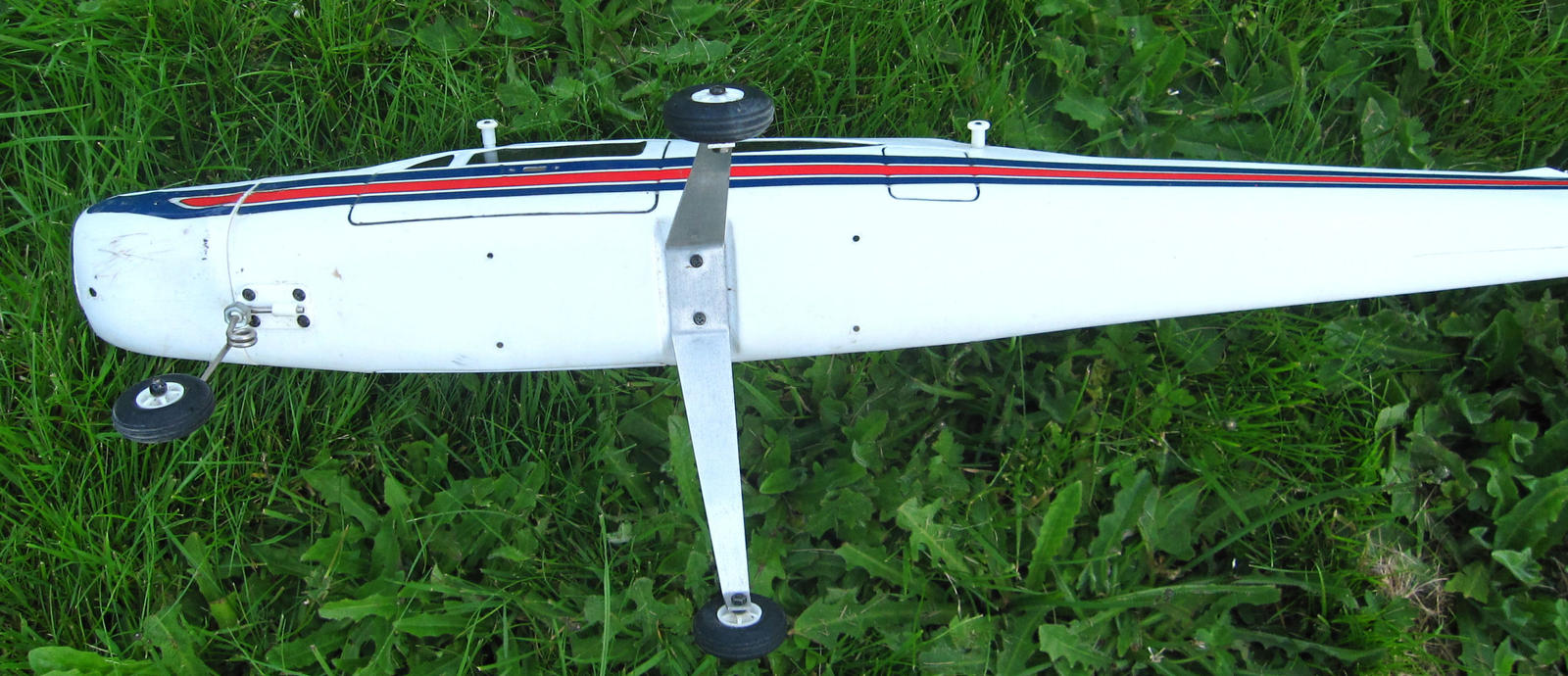Name:  Kyosho Cessna 177 2.jpg