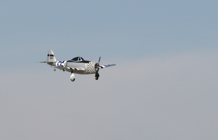 1_P-47_on_approach