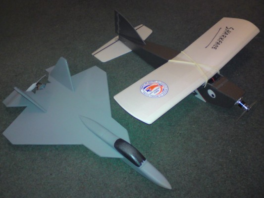 Sharkface_and_GBD_YF-22